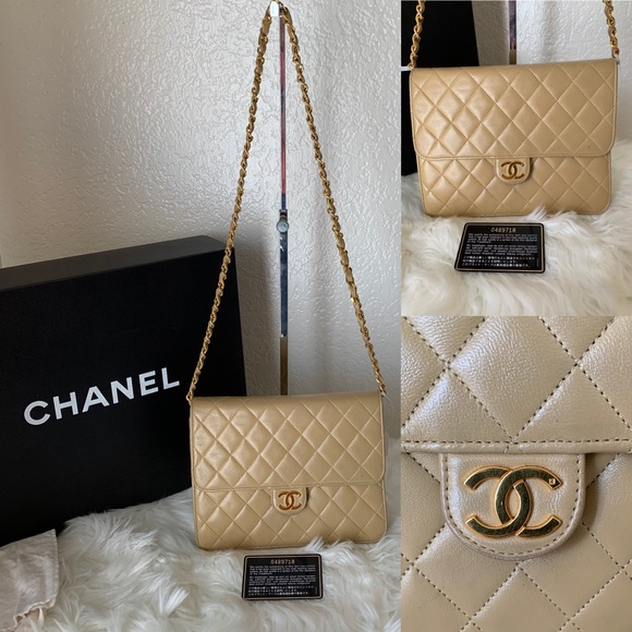 CHANEL Handbags - Authentic Chanel Chain flap purse